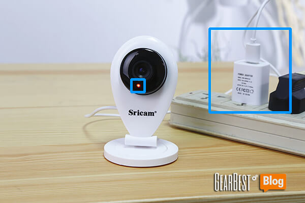 Connect SP009 IP camera to the power source