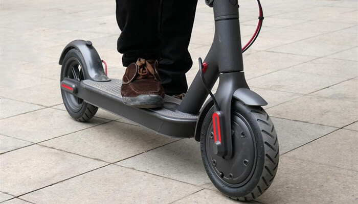 Xiaomi M365 electric scooter with 250W rated power brushless motor
