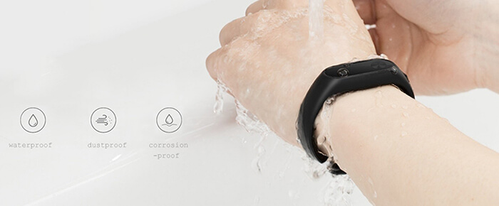 reliable IP67 protection against water and dust on Xiaomi Mi Band 2